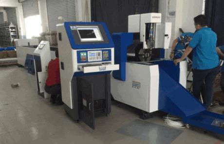 آلة قطع أنبوب الليزر المعدني نوع الجدول